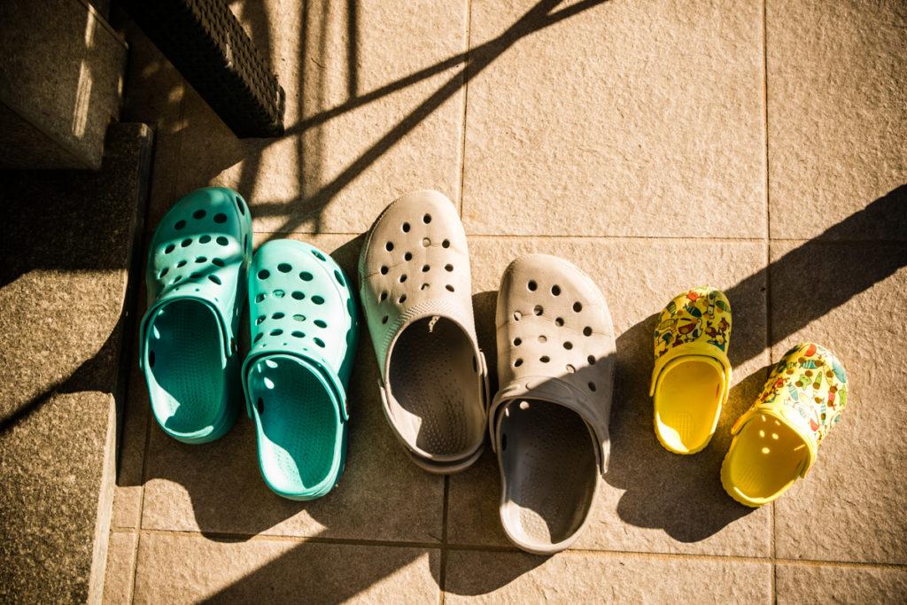 ciabatte-piscina-famiglia