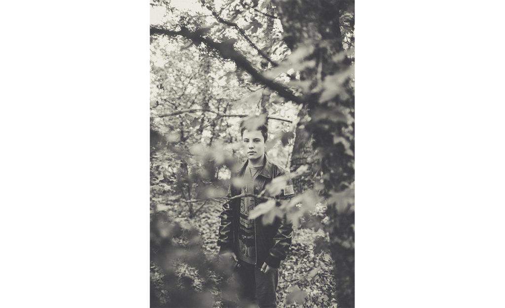 fotografie-ragazzo-bosco